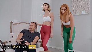 Horny (Joseline Kelly, Kristen Scott) catch fuck BF - Brazzers