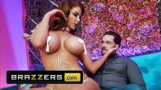 Curvy (Nicolette Shea) Gives A Private Chitter Show And A Sultry Lap Dance Forth (Kyle Mason) - Brazzers