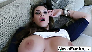Big Tit Alison Tyler rubs their way giant breast to the fore pleasuring herself
